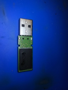 Other side of new thumbdrive - This is the NAND chip, the actual storage...customer files now accessible